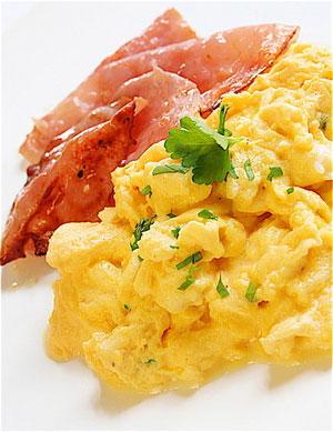 scrambled egg (ไข่คน)